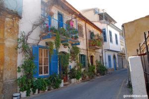 Голубые ставни греческий стиль