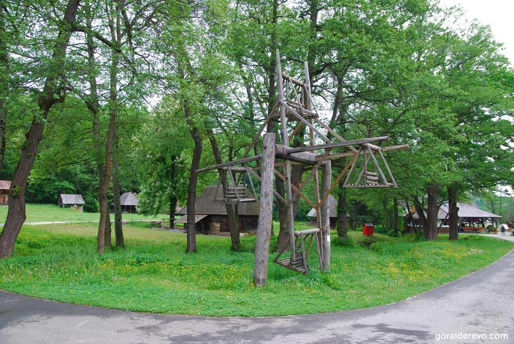 деревянная карусель Сибиу