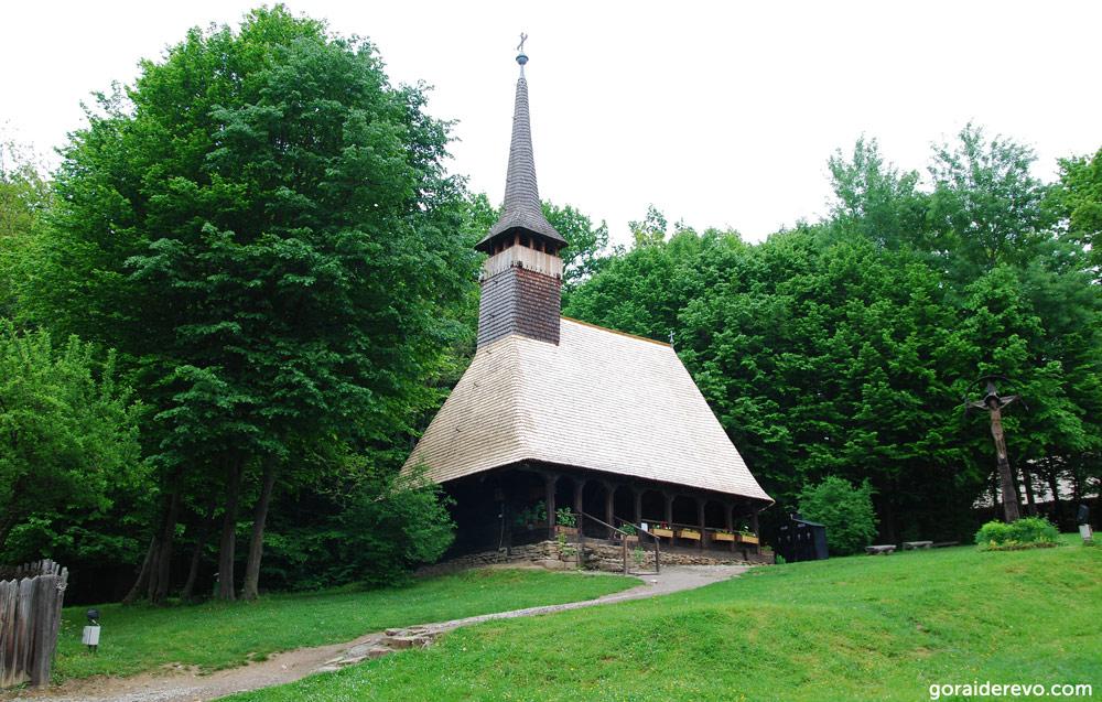 деревянная румынская церковь