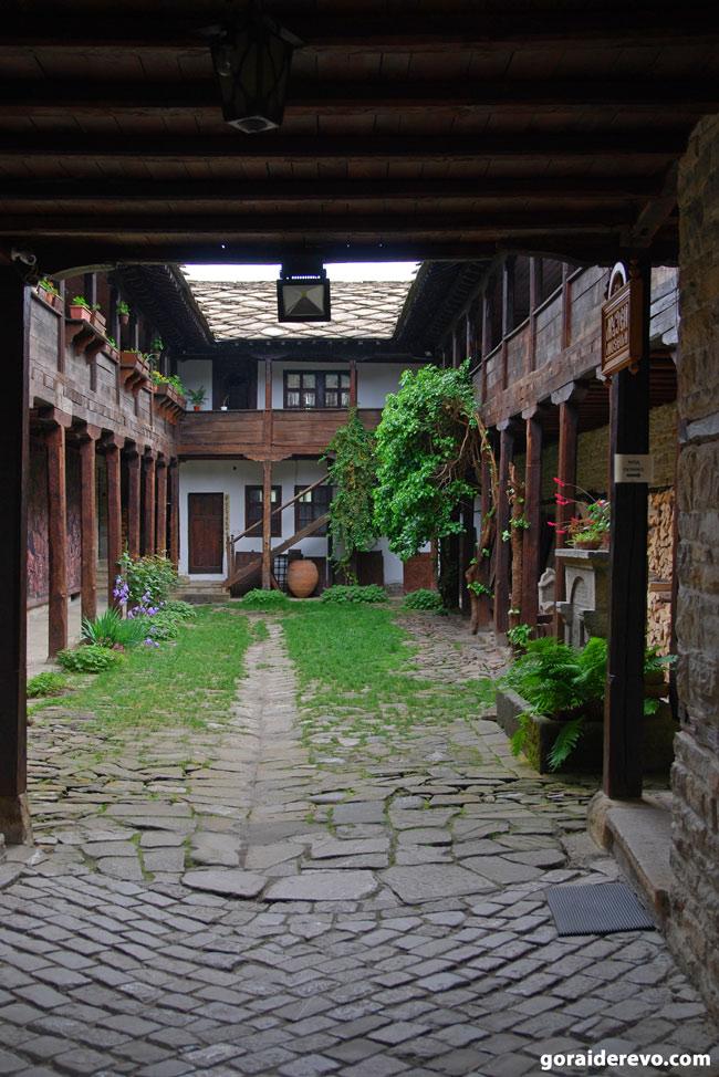 Двор Болгария