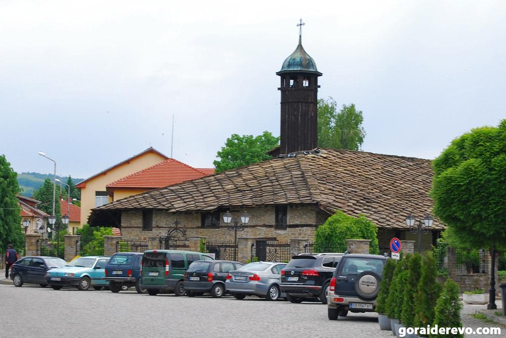 церковь Трявна