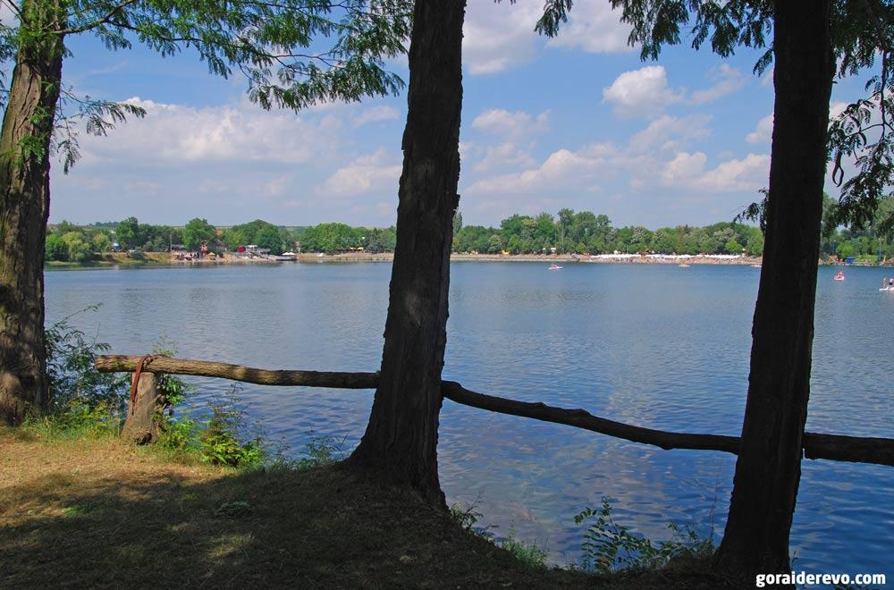 Белоцркванско озеро