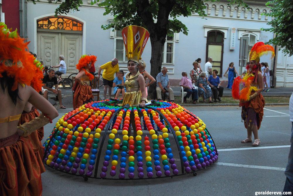 королева шариков