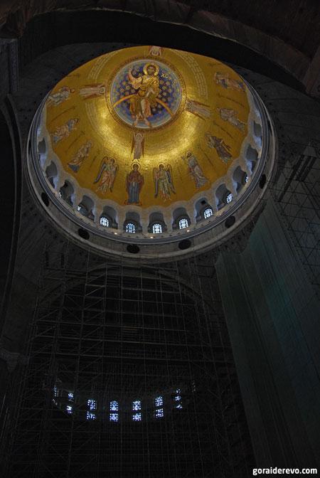 мозаичный купол храма